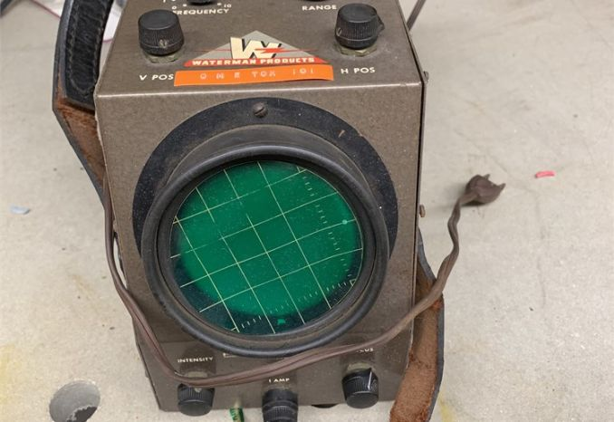 (1) (Used) Waterman Oscilloscope / 38-14-009