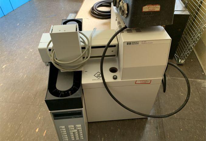 (1) (Used) HP Model 7694 Gas Chromatograph  / 38-14-033