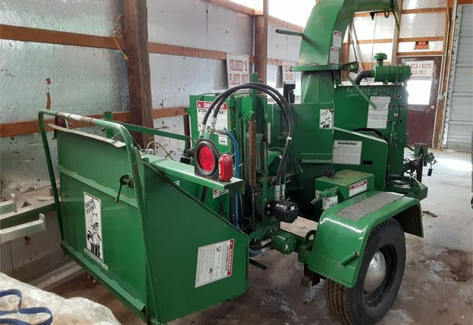 1996 Bandit Wood Chipper Model 90XP