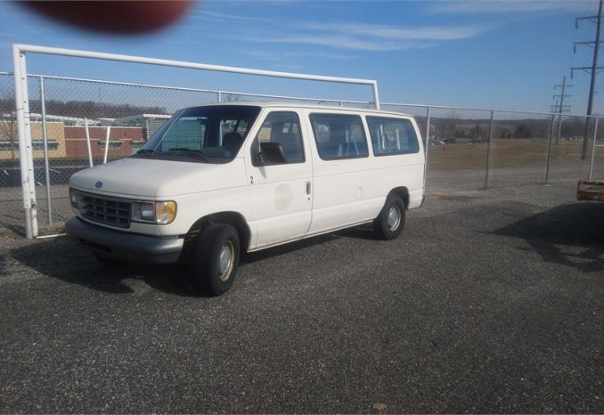 1995 ford club wagon 7 passenger van