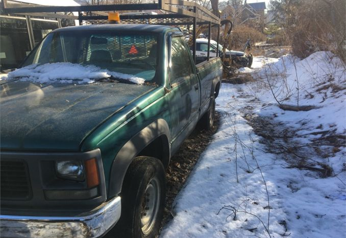 1998 GMC Sierra 2500 4x4 Pickup With Ladder Rack