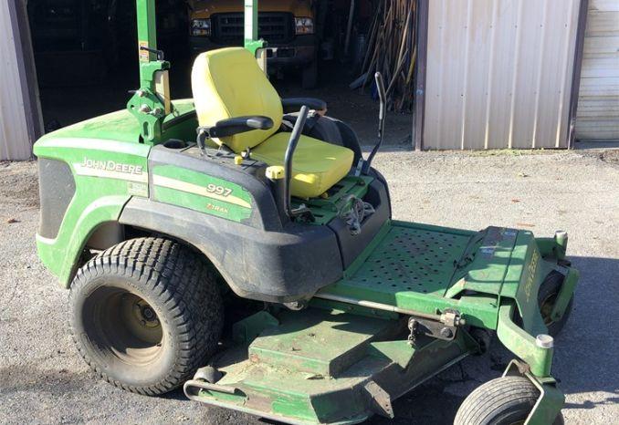 John Deere 997 Z-Trak mower