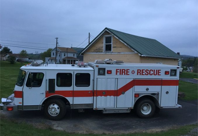 1989 E-ONE Cyclone Rescue Truck