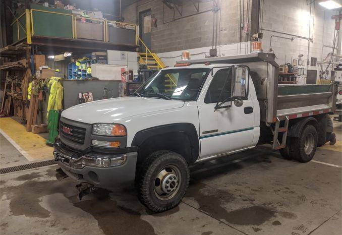 2004 chevrolet 3500 dump truck