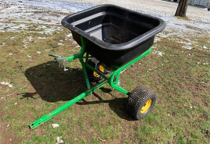 John Deere Mulch-N-More Tow Behind Spreader