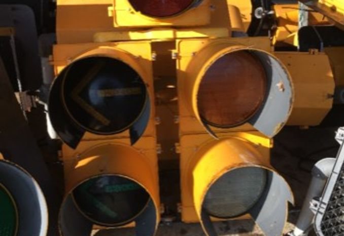 5 Quantity 5-Cluster Traffic Signals