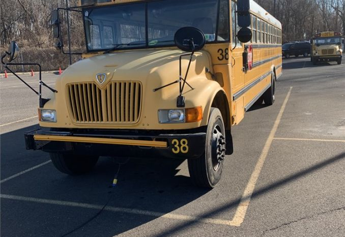 2004 INTERNATIONAL 72 PASSENGER SCHOOL BUS