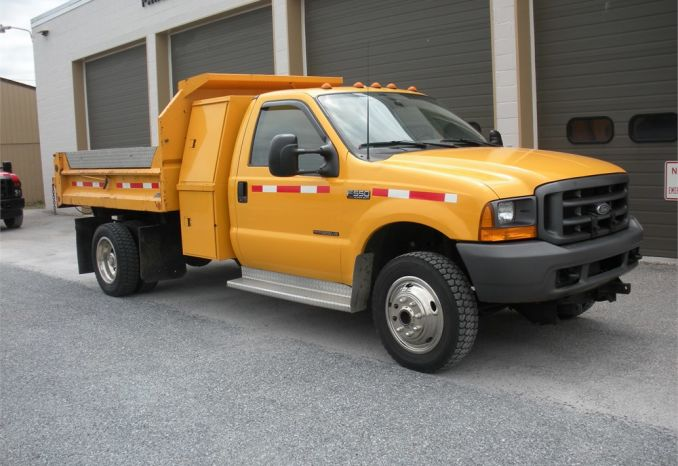 1999 Ford F550 7.3L Diesel  w/ CRYSTEEL Tripple Tipper BED