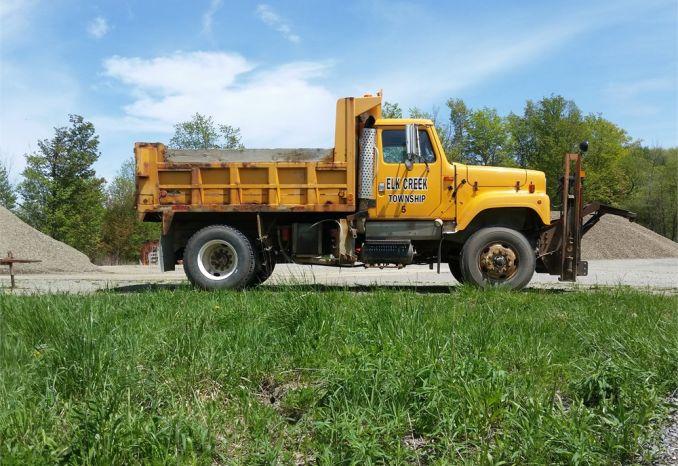 2002 International Dump Truck Model 2574