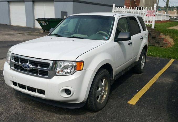 2011 Ford Escape XLS 4WD Passenger Vehicle