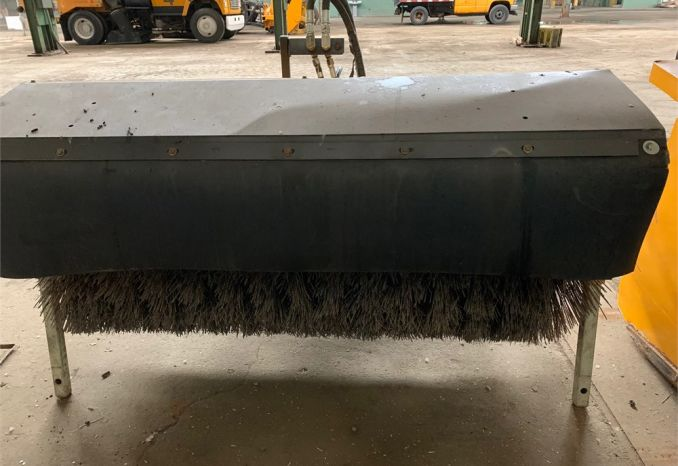 Trackless ASQC25 Snow Broom