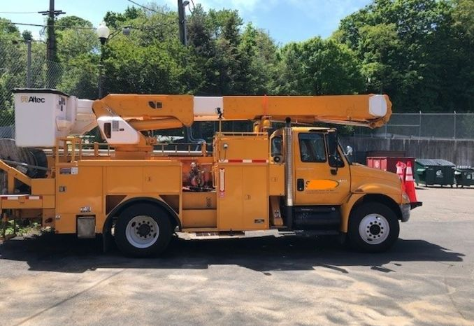 2004 Intlernational Bucket Truck