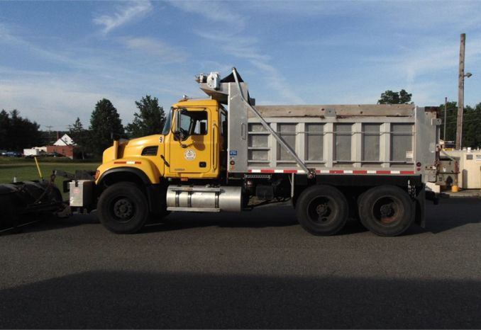 2007 Mack Granite CV713 10 Wheel
