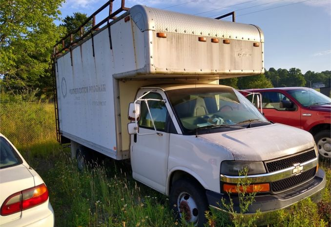 2003 Chevy 3500 Box Truck