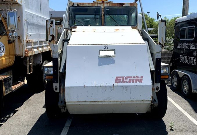 2007 Elgin Pelican Model P5040D Street Sweeper