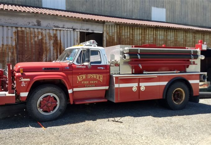 1977 Ford F700 Tanker