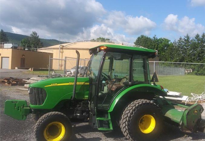 2008 John Deere 5325 Tractor