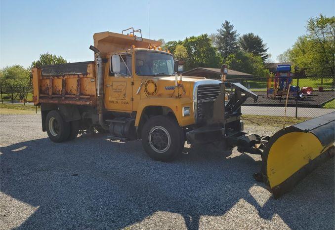 1992 FORD L8000 Dump Truck