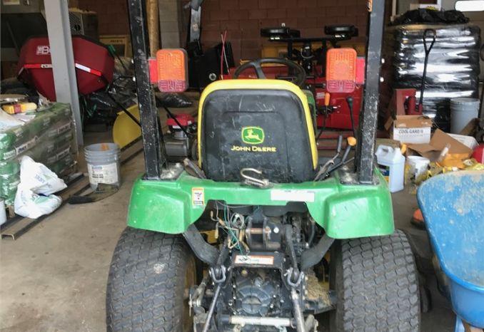 John Deere 2305 tractor