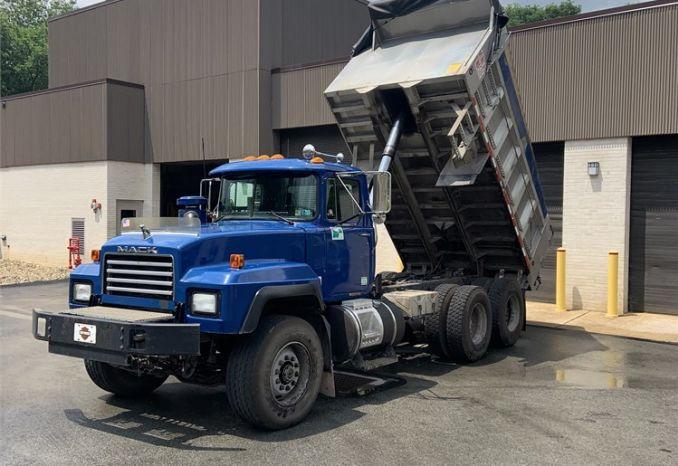 1998 MACK Tandem Dump Truck