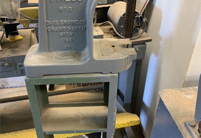 Dake Single Lever 1-1/2 Ton Arbor Press with Stand