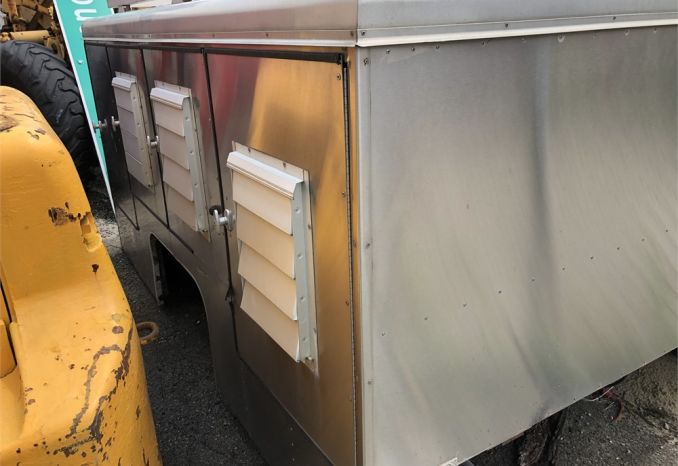 Air Conditioned Animal containment box for pick up truck