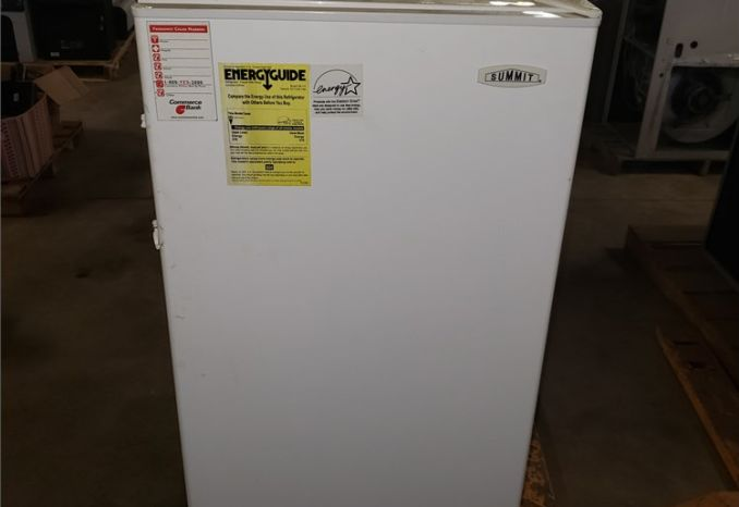 Summit Refrigerator/ Freezer