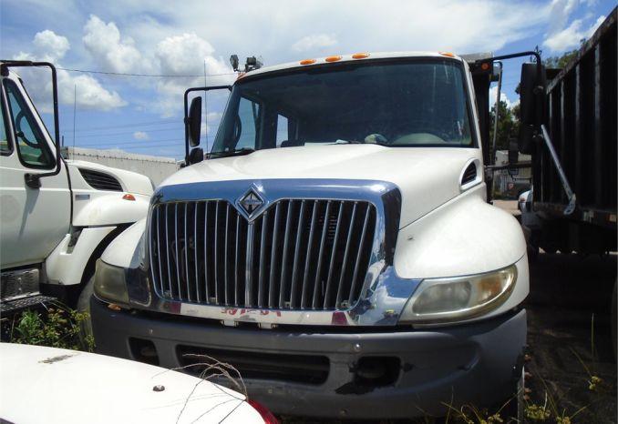 2007 International 4200 Dump truck, runs needs batteries