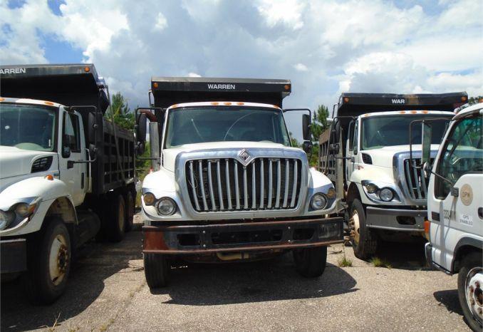 2008 International 7400 dump truck, does not run, has engine, ste