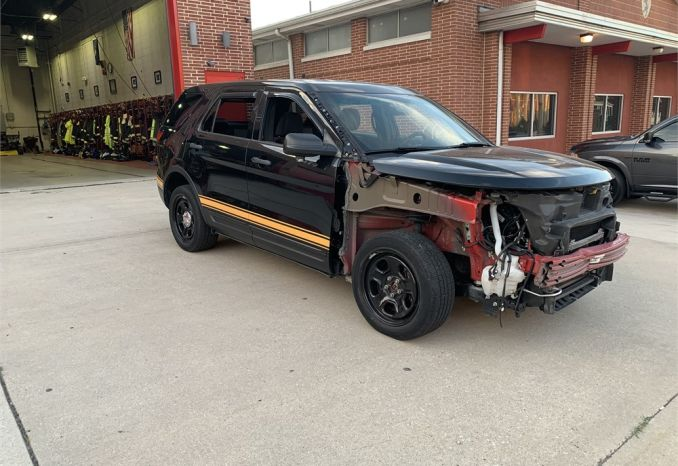 Damaged 2014 Ford Police Interceptor ( Explorer ) SUV