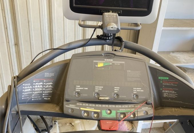 FITNESS TREADMILL Precor C956 ( 2 OF 2)