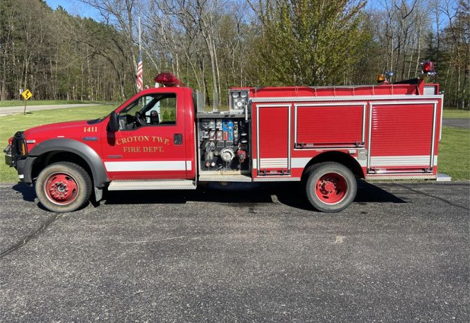 2005 Ford F-550 4X4/ pierce mini pumper