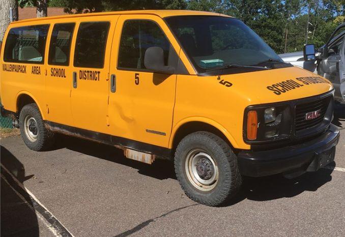 2002 GMC Savana 9 passenger School Van