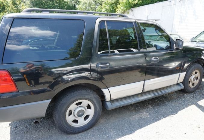 2005 Black Ford Expedition