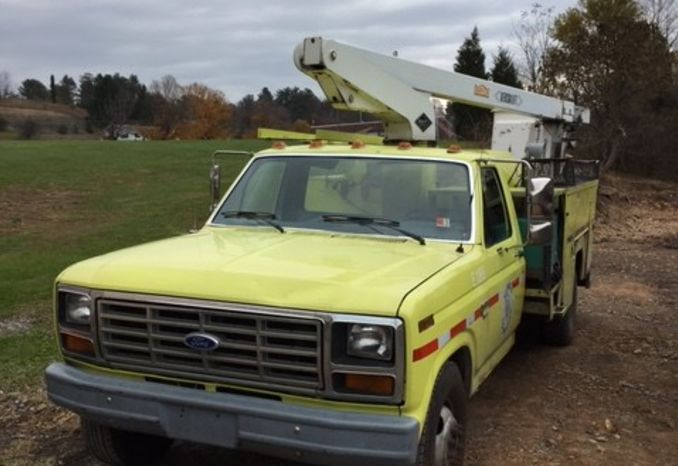 1986 Ford 350 Bucket Truck