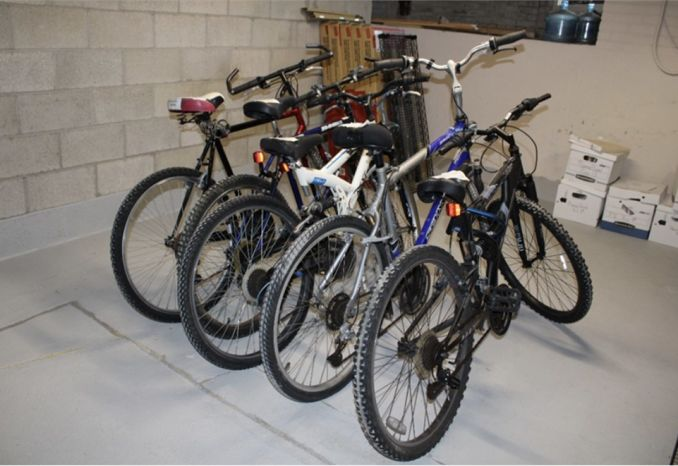 VARIOUS MAKE/MODELS MOUNTAIN BICYCLES (LOT OF 5)
