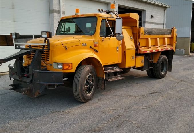 1997 INTERNATIONAL SINGLE AXLE DUMP TRUCK