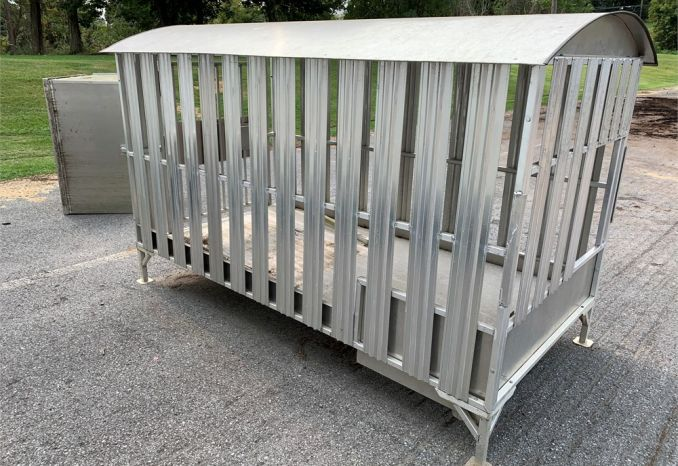 ALUMINUM DOG KENNEL AND BOX