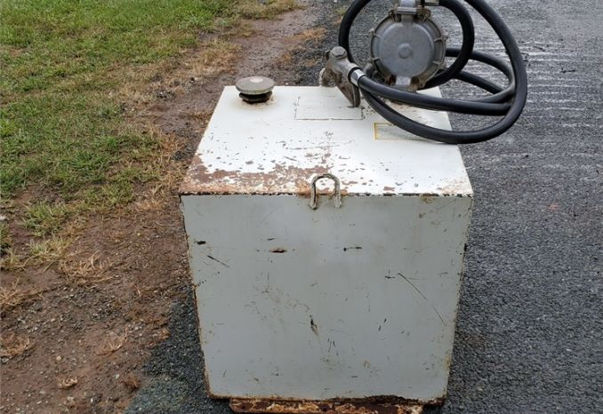 50 gallon Steel Fuel Tank with Hand Pump