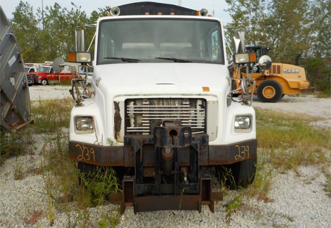 1997 FREIGHTLINER FL70 SINGLE AXEL DUMP TRUCK / LOT239-970072-NR