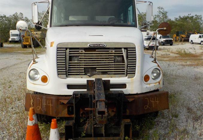 2000 FREIGHTLINER FL112 TANDEM AXEL DUMP TRUCK / LOT244-005548-NR