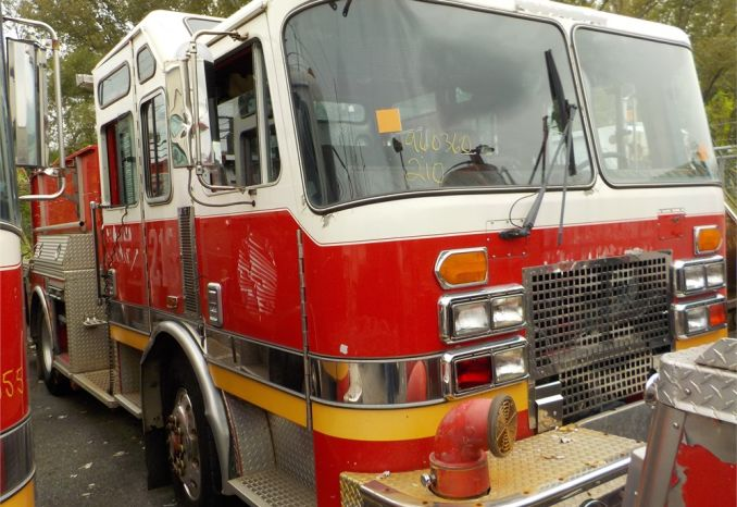 1996 KME RENEGADE FIRE PUMPER TRUCK / LOT210-960360-NR