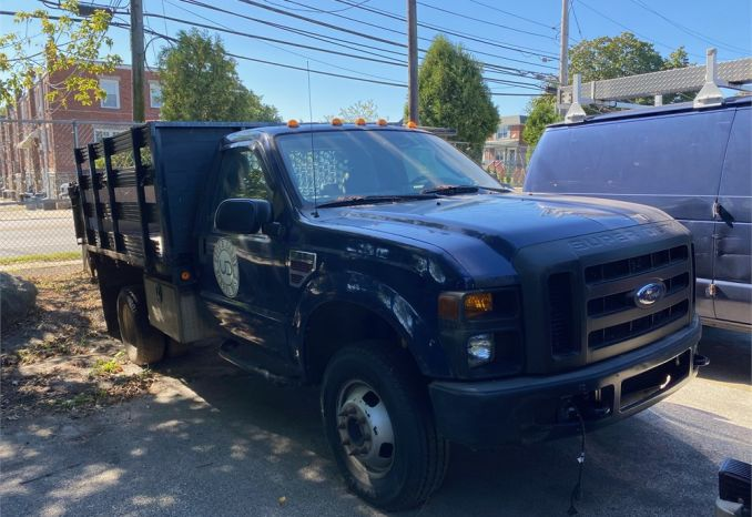 2009 FORD STAKEBODY TRUCK