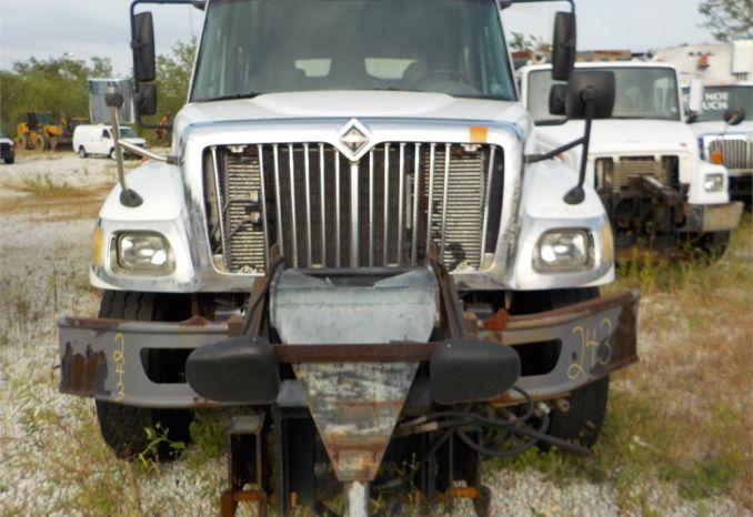 2007 INTERNATIONAL 7400 CREW CAB DUMP TRUCK / LOT243-075169-NR