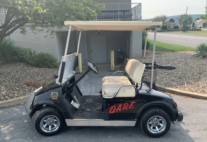 1994 Yamaha Custom Golf Cart and trailer