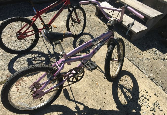 5 used kid sized bicycles