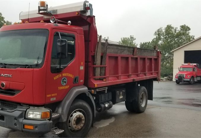 2002 MACK MV322 FREEDOM