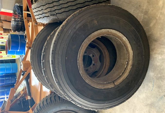 Various Heavy Duty / Truck Tires