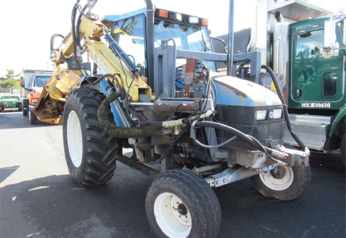 2000 Ford/ New Holland TS90 Tractor