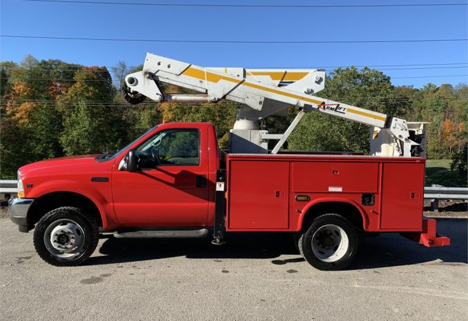 2002 Ford F550 w/Utility boy and 36ft Aerial Lift
